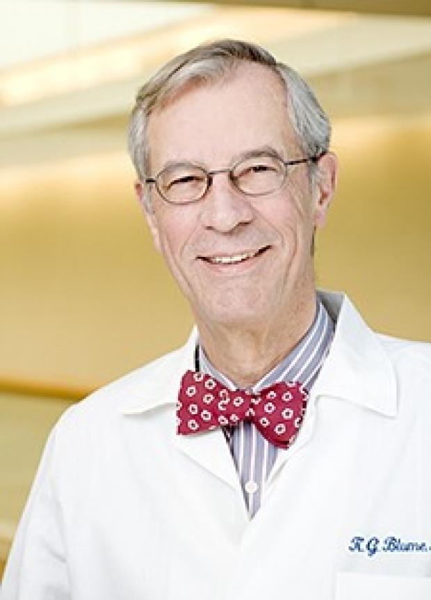 Saul Rosenberg establishes one of the first U.S. academic oncology programs in the Department of Medicine
